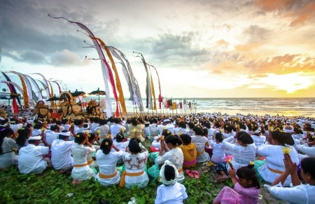 Made Yudistira: Melasti ceremony holds 3 or 4 days before the silent day or 'Nyepi' day. On this ritual, people come to the beach/river/lake to 'clean up' the sacred property of the temple like pratima, barong, etc. Water is believed by the Hindu's as holy element that can eliminate all inner even outer 'dirt' element.