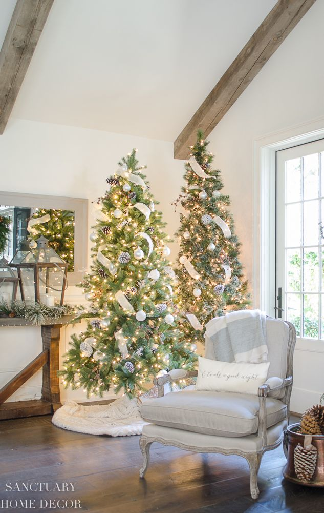 Design Ideas for Cozy, Neutral Christmas Decorating \