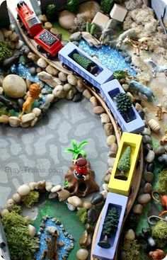 DIY #Zoo Set for Wooden #Trains @ Play Trains! Our train twist on the Jungle Diorama from Jo-ann's Cape Discovery summer crafting challenge. #summerofjoann
