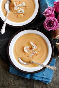 Enjoy this winter warming low calorie recipe. Slimming World recipe: Cauliflower cheese soup.