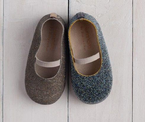 Μπαλαρίνα με χιλιάδες κρύσταλλα swarovski! Ανακαλύψτε τα ομορφότερα βαπτιστικα παπούτσια στο www.angelscouture.gr