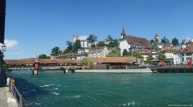 Luzern - Most vetešníků (Spreuerbrücke), v pozadí Museggská zeď a Museggské věže