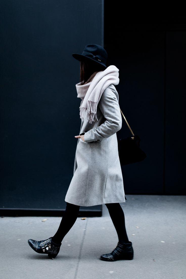 Good Wenn ich mir so meine Outfits vom letzen Jahr ansehe haben sich ein paar Farben sehr durchgesetzt und dominieren in meinem Kleiderschrank u grau und