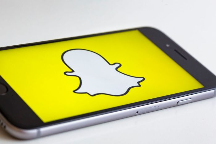 Snapchat Me That… Show! Time-Warner Makes $100 Milli Deal To Produce New Content For Social Media App -  Click link to view & comment:  http://www.afrotainmenttv.com/snapchat-me-that-show-time-warner-makes-100-milli-deal-to-produce-new-content-for-social-media-app/