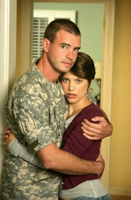"""Scott Foley and Audrey Marie Anderson, as Sergeant First Class Bob Brown and wife Kim Brown on """"The Unit"""""""