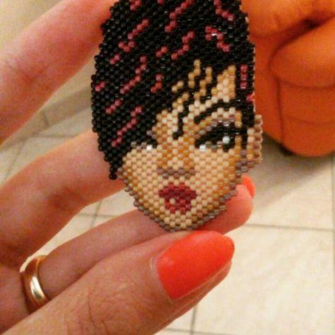 https://www.craftsy.com/jewelry/patterns/rihanna/498897 #rihanna #peyotestitch #seedbeads #beads #perline #delica #miyuki #pendant #ciondolo #pendente #schema #scheme #pattern #pdf #pdfpattern #craftsy #tissage