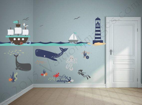 Entdecken Sie die Wunder der Welt mit diesem Wandtattoo Kinderzimmer. Diese nautische Wandtattoos verfügen über eine spielerische Meer Szene Theme m