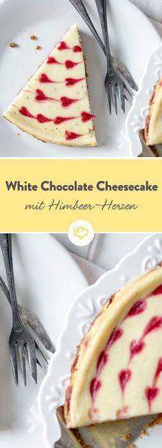 Ein Herz für Cheesecake – mit weißer Schokolade und Himbeeren