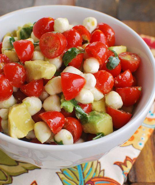 Mozzarella,+Tomato,+Avocado+Salad