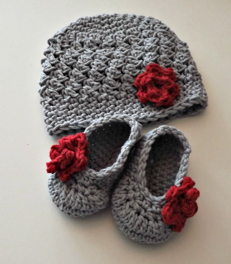 Gray & red <3   New Baby Gift gray and red hat and booties with rose size 0 to 3 months