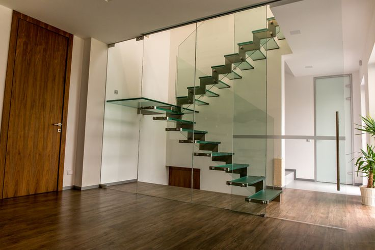 Glass staircase and glass partition wall by aliasystem.cz.