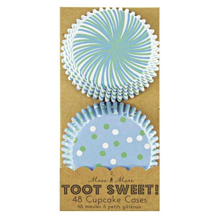 Pour apporter une touche festive et joyeuse à une table de fête d'anniversaire ou autre rien de tel que des petits moules en papier garnis de jolies couleurs et motifs ! Garnissez-les ensuite d'un glaçage assorti. Set de 48 moules en papier jetables. Dimensions : 6,5 x 3 cm. 4,90 € http://www.lafolleadresse.com/fetes-mariage-baptemes/1406-48-moules-a-petits-gateaux-couleurs-bleue-et-pois.html