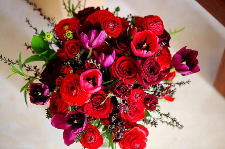 red beach wedding bouquet