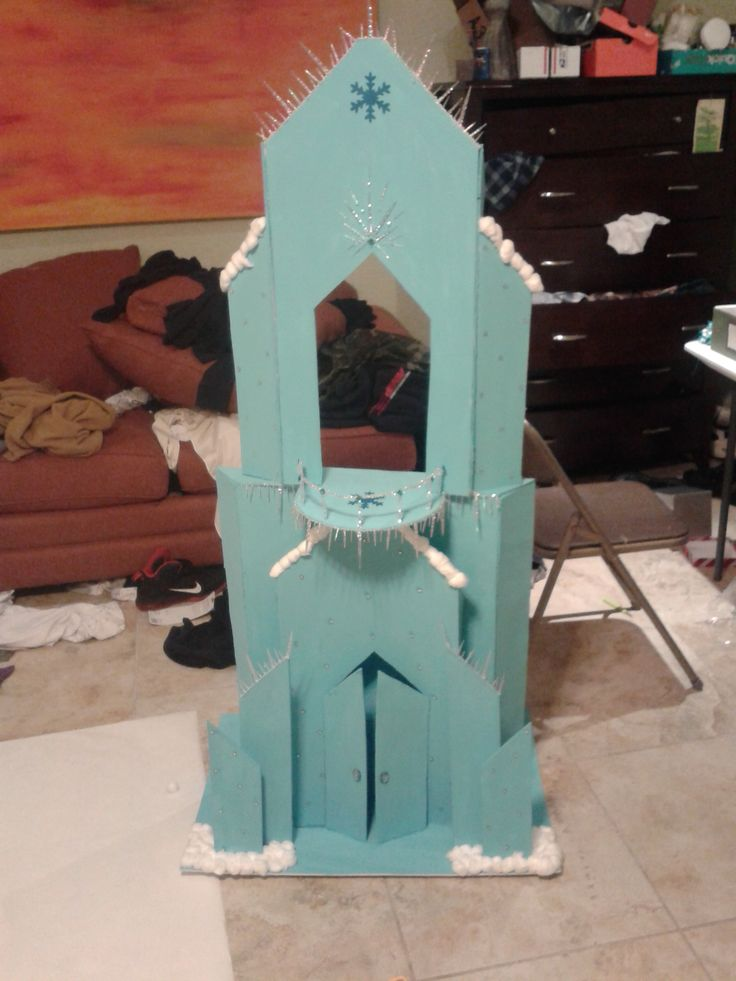 disney frozen castle photo prop inspired by chad alan's youtube video