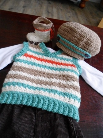 "The Handmade Rainbow  Baby/toddler vest and had by ""HandmadeRainbow"".  Inspiration"