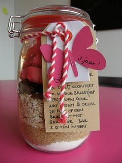Voorraadpot met koekjesingrediënten: leuk cadeautje
