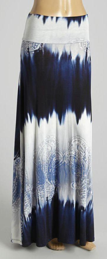 esta falda esta muy llamatiba por su color y diseño y la ase ver mucho mejor su largo y es una falda que es dificel de encontrar