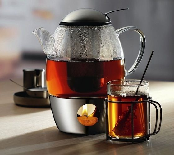 This WMF SmarTea Tea Set features a see-through clear glass pot which allows you to visually monitor the tea's strength.