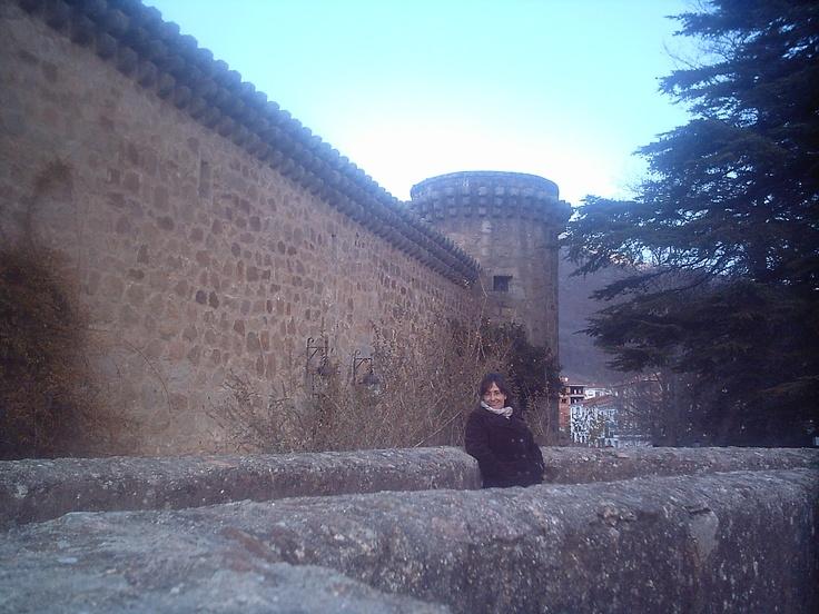 Paseando por el interior del Parador de Turismo de Jarandilla de la Vera.