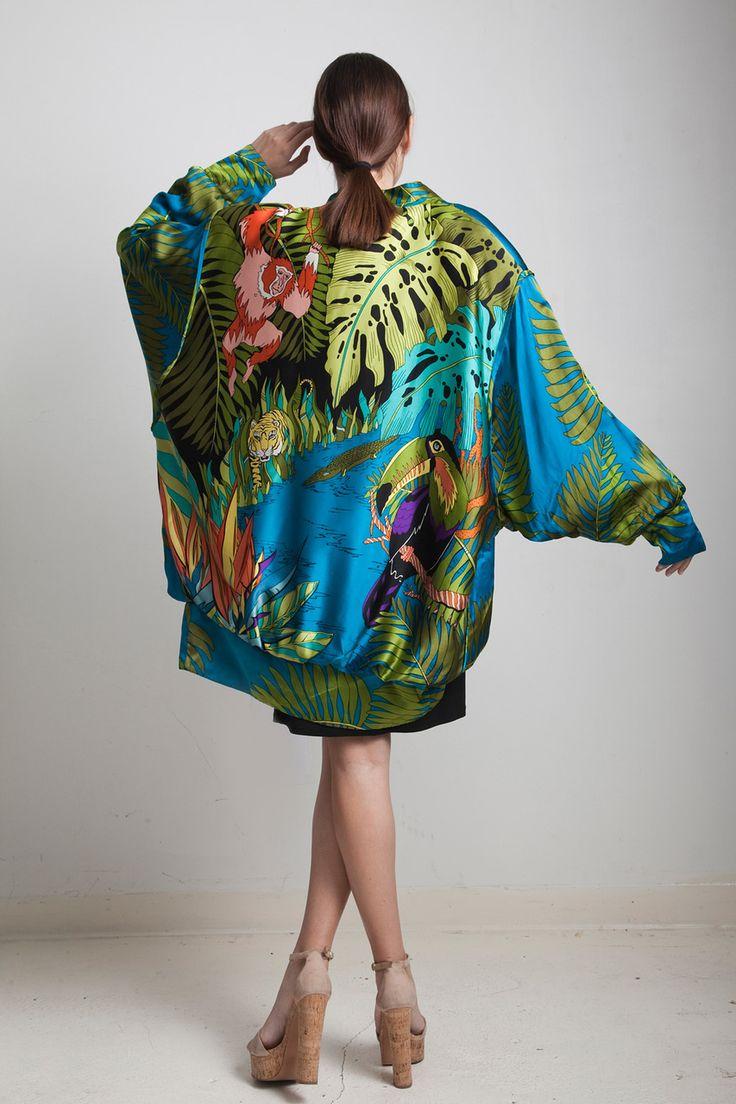 vintage 80s draped kimono cocoon coat top silk vibrant jungle animal print batwing sleeves ONE SIZE S M L