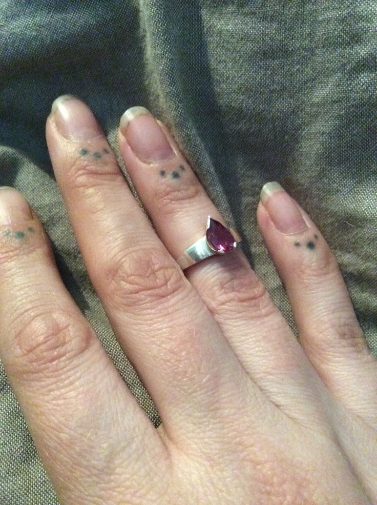Rhodolite garnet set in handmade 925 sterling silver ring. Piercingheartbeat@gmail.com