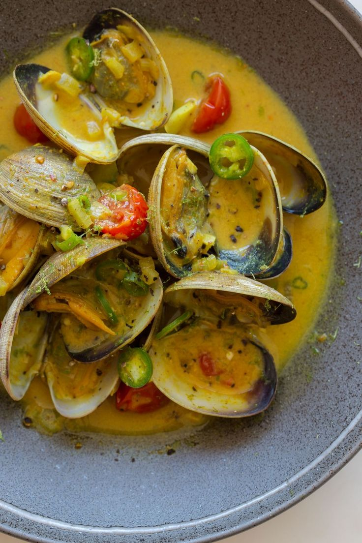 Coconut Green Curry Steamed Clams , oh my gosh, this is delicious!