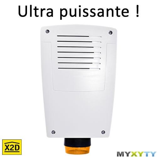 La sirène extérieure Myxyty est équipée d'un flash pour signaler à tout le monde qu'un cambriolage est en cours : http://www.myxyty.com/produit/sirene-exterieure-avec-flash-sans-fil-frequence-radio-x2d