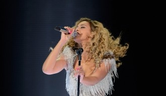 Beyonce Performs At Revel Beach Concert: Whitney Houston, Beyonce Performing, Beaches Concerts, Revelations Beaches, Comebacks Concerts