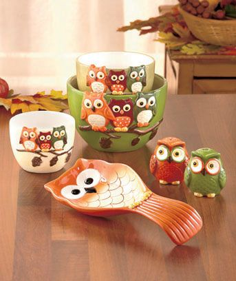 Bring the colors of fall into your kitchen with these Harvest Owl Tabletop Sets. The Set of 3 Bowls is perfect for mixing, storing and serving. They nest together for compact storage. Microwave and dishwasher safe. The 3-Pc. Tabletop Set features owl