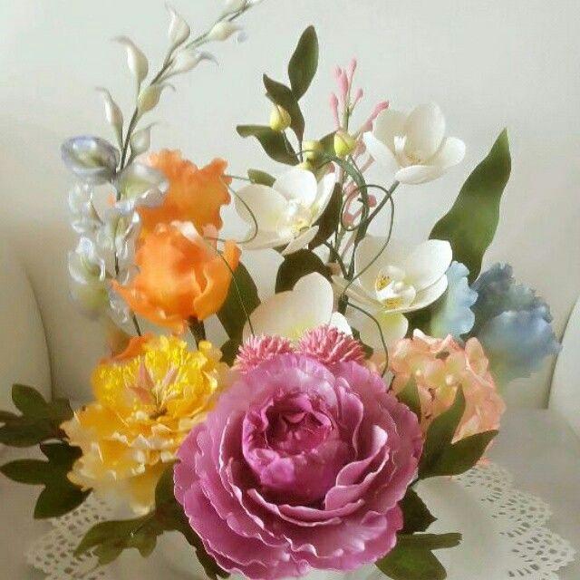 #gumpaste #flowers #fondant #Turkiye #adana #iskenderun #kurs #sekerhamuru #sekerdencicekler #orkide #orchide #tutibutikpasta #sweetpea #tatlibezelye