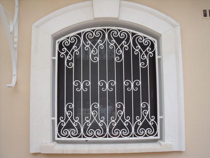 Les 25 meilleures id es de la cat gorie portes en fer forg sur pinterest porte d 39 entr e fer for Les portes de fer forge