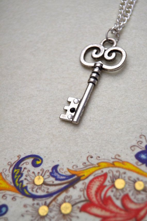 Silver key necklace, this is a simple skeleton key necklace, romantic and beautiful for your everyday by Valkyrie´s Song €12