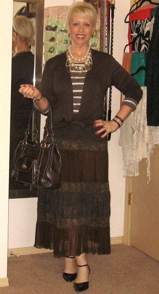 Dreamz~n~Wishz        : A Striped Tee With Lace Skirt And Pearls