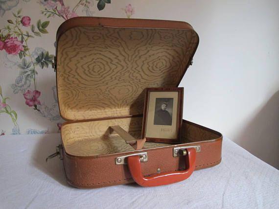 Les 25 meilleures id es concernant liste valise sur pinterest valises cons - Valise en carton vintage ...