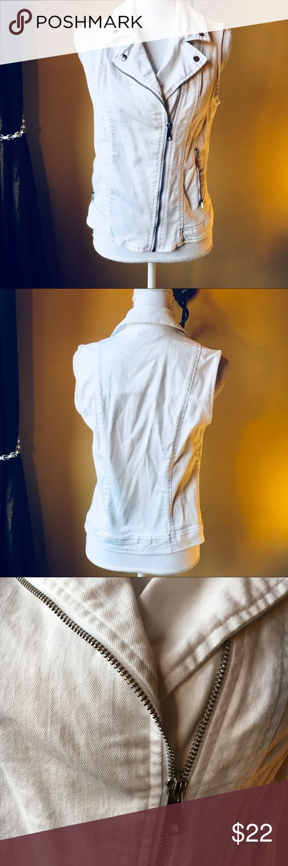 White jean modern vest asymetrical zipper Modern take on the white jean vest. Verygood condition.  Size medium Apt. 9 Jackets & Coats Vests