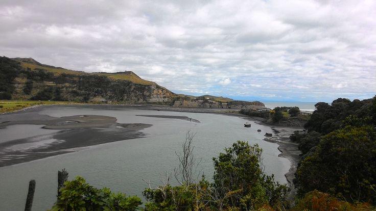 Mokau - a popular location for whitebaiting, Waitomo district near Taranaki