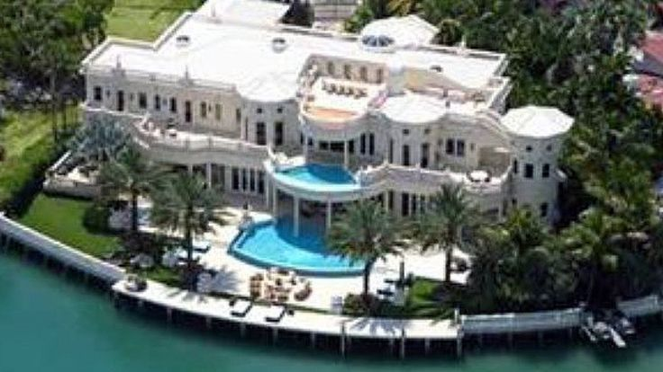 These town mansions were referred to as 39 houses 39 in for Luxury home descriptions