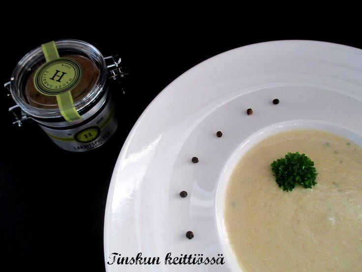 Lakritsainen mustajuurikeitto: Tinskun keittiössä
