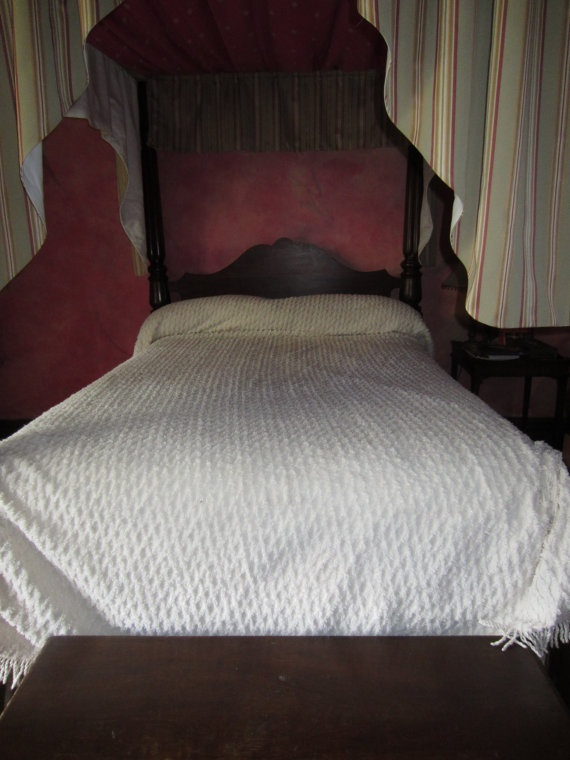off white chenille bedspread lattice pattern