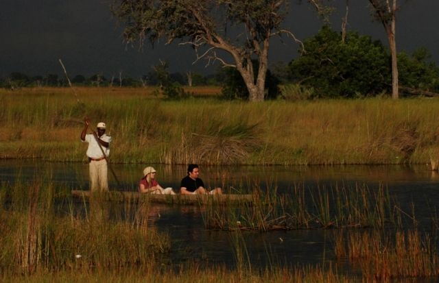 Water game viewing in mokoros  http://www.africanwelcome.com/botswana/botswana-private-game-lodges/xakanaxa-camp-moremi-game-reserve-botswana