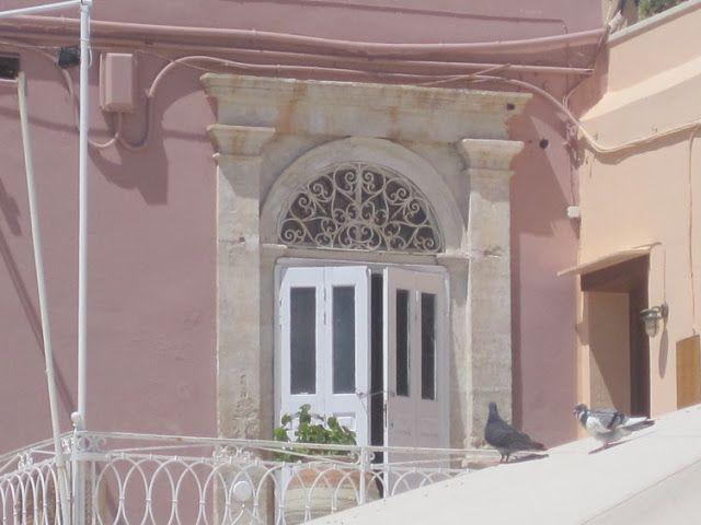 Cretan Cornucopia : Above the shops and round the corners.....