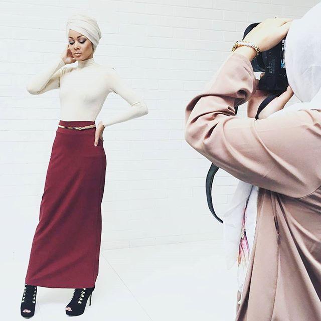 #behindthescenes from today's shoot!  #perth #perthfashion #australia #australianfashion #fashiondesign #fashiondesigner #kaftan #abaya #dresses #maxidresses #maxidress #modestdresses #hijab #styleblogger #fashionblogger #weddingparty #wedding #teaparty #photography #model #mua #beauty #photographer #perthphotographer #photoshoot #dressedup #hijabfashion #stylist