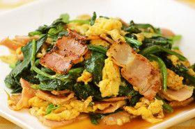 簡単料理☆ベーコンとほうれん草の卵炒め