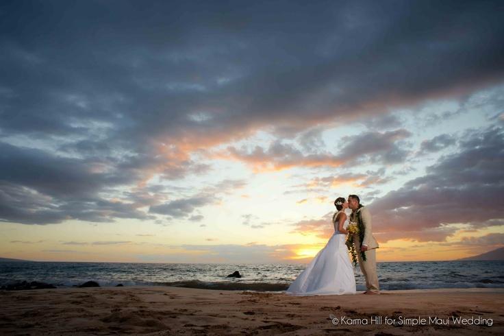 beach wedding, beach wedding at sunset, beach wedding photography