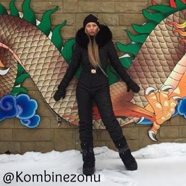 Эффектная Елена  @helen_beloglazka   в черном/матовом комбинезоне с натуральным песцом!   Без фильтра!  .  .  .  .  .  .  #kombinezon #теплыйкостюм #теплыйкомбинезон #теплыйпуховик #горы #стильныйобраз #стильныйкостюм #стильныйкомплект #комбинезонвналичии #комбинезонназаказ #шикарный #шикарныйвид #шикарныйкомплект #шикарныйкостюм #крутой #мама #мамаидочка #супермама #маманапп #мамадоча #мамадочь #мамавдекрете #мамадома #мамадочи #мама❤️ #мамам #хит #комбез