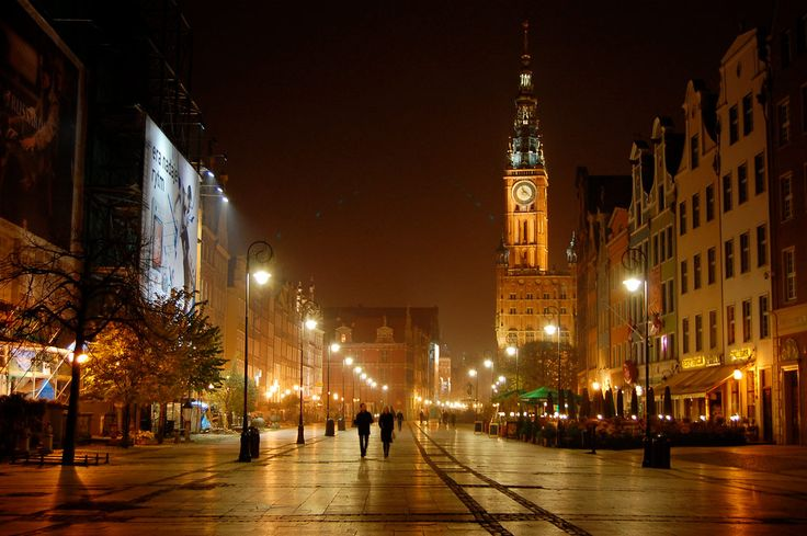 #Dluga( Long) #street -> #Gdansk