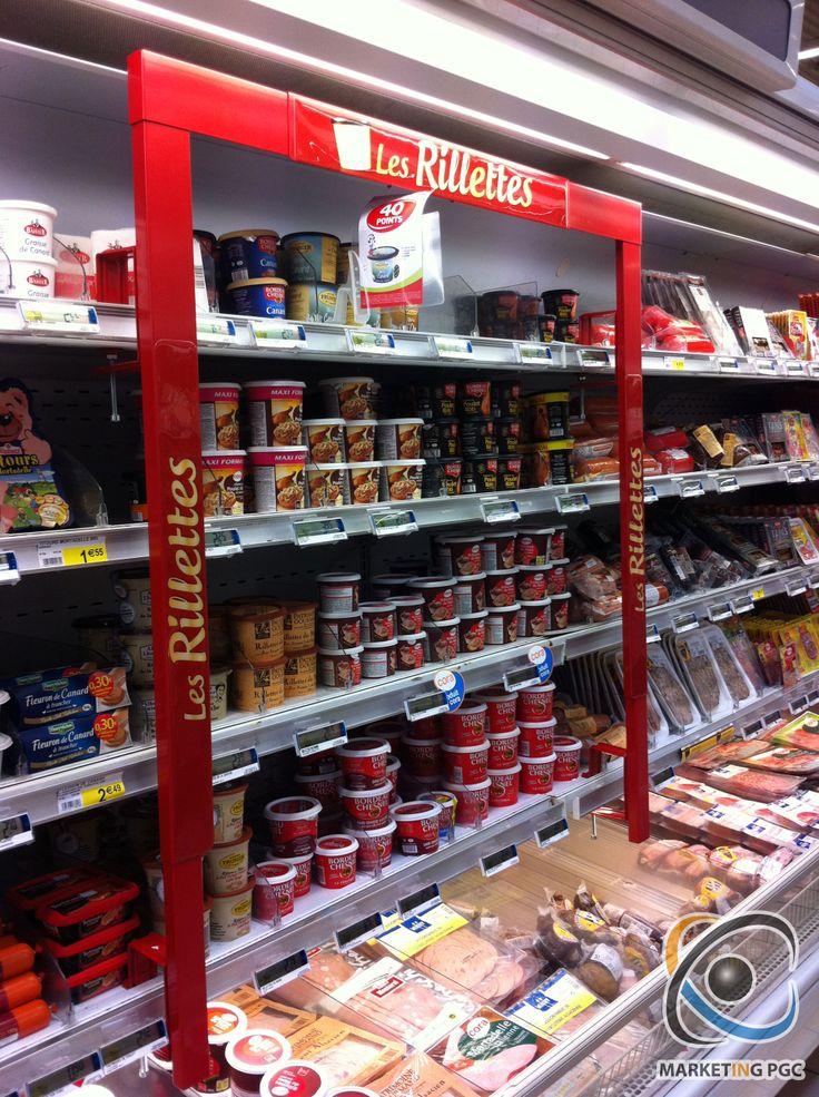 ricardo: arco recogiendo los productos para llamar la antenci´n