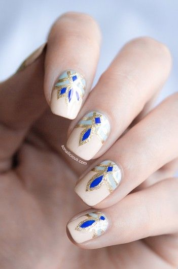 Pretty blue nail art design!