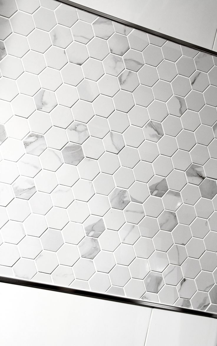 Inter Domus Bianco Malla Hexagon, arkin koko 30*30 - Kaakelikeskus #kylpyhuone #laatta #kaakeli #sisustusinspiraatio