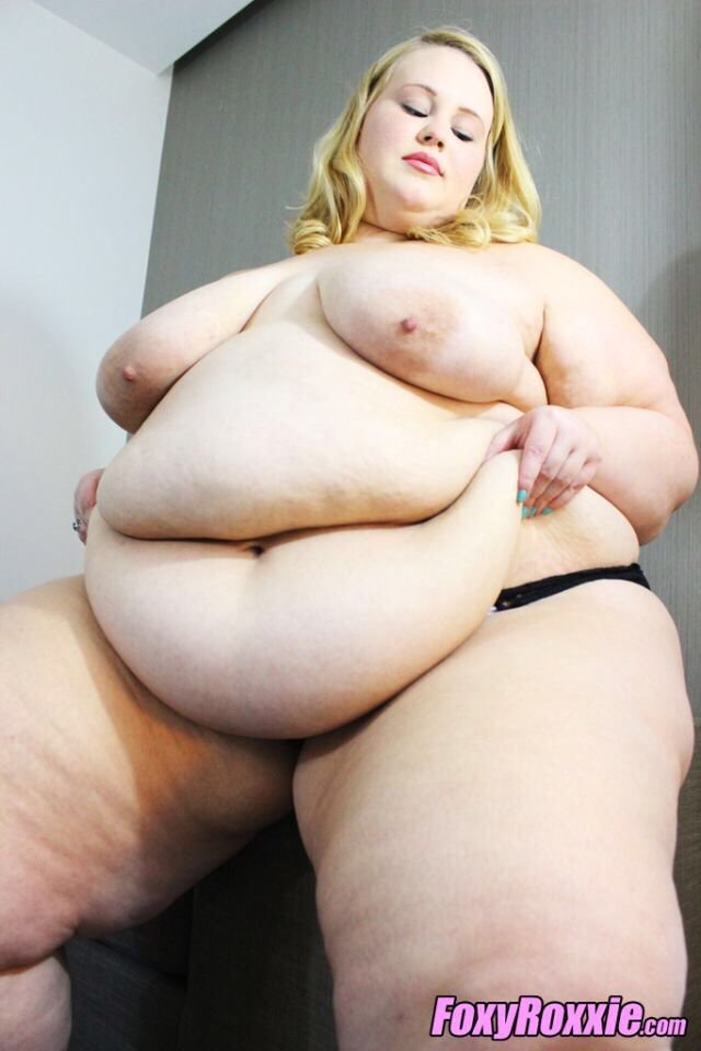 Jerking off to SSBBW Foxy Roxxie